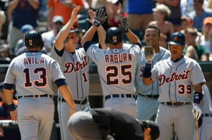 Teammates congratulate Ryan Raburn (Getty Images)