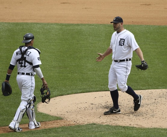 Brad Penny and Victor Martinez have a failure to communicate (Getty Images)
